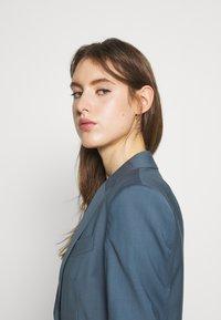 Filippa K - SASHA COOL - Blazer - blue grey - 3