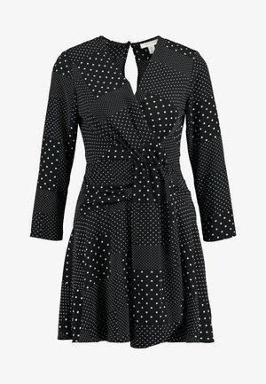 TWIST FRONT - Denní šaty - black
