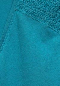 Cecil - MIT SMOK-DETAILS - Basic T-shirt - blau - 4