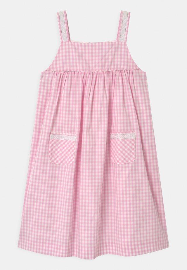 VERBENA - Korte jurk - pink vichy