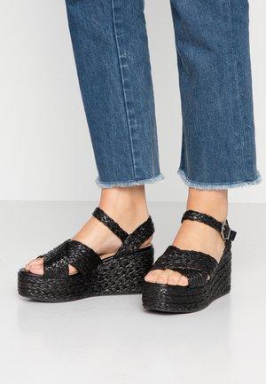 ADALYN - Sandály na platformě - black