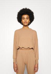 New Look - ELASTIC HEM SET - Sweatshirt - camel - 2