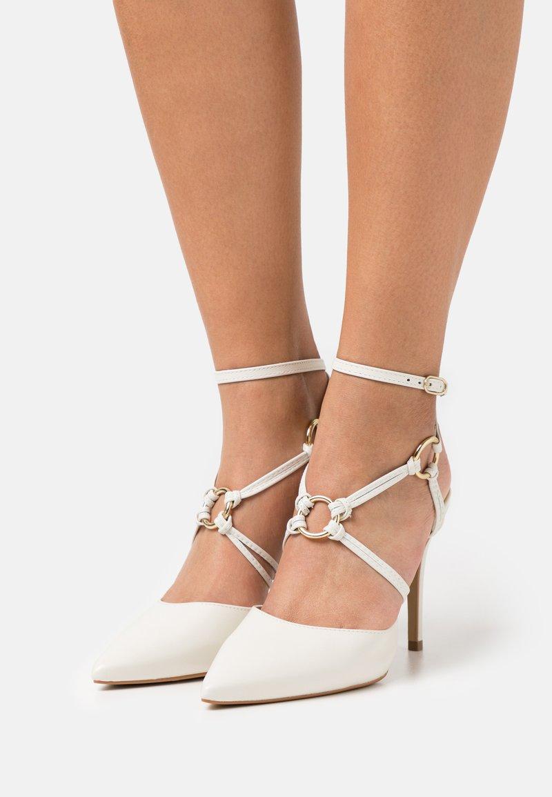 San Marina - GEMARINA - Classic heels - ivoire