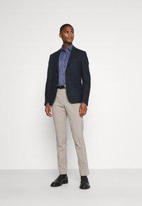 Calvin Klein Tailored - CHECK EASY CARE - Formal shirt - navy - 1