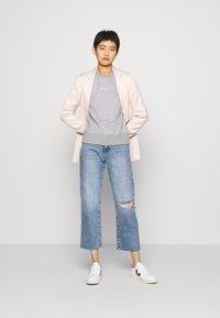 GANT - STRIPES C NECK - Sweatshirt - grey melange - 1