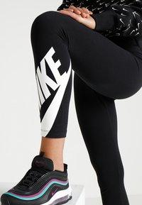 Nike Sportswear - NSW LEGASEE 7/8 FUTURA - Leggings - black/white - 4