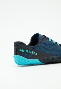 Merrell - VAPOR GLOVE 4 - Scarpa da corsa neutra - poseidon - 5