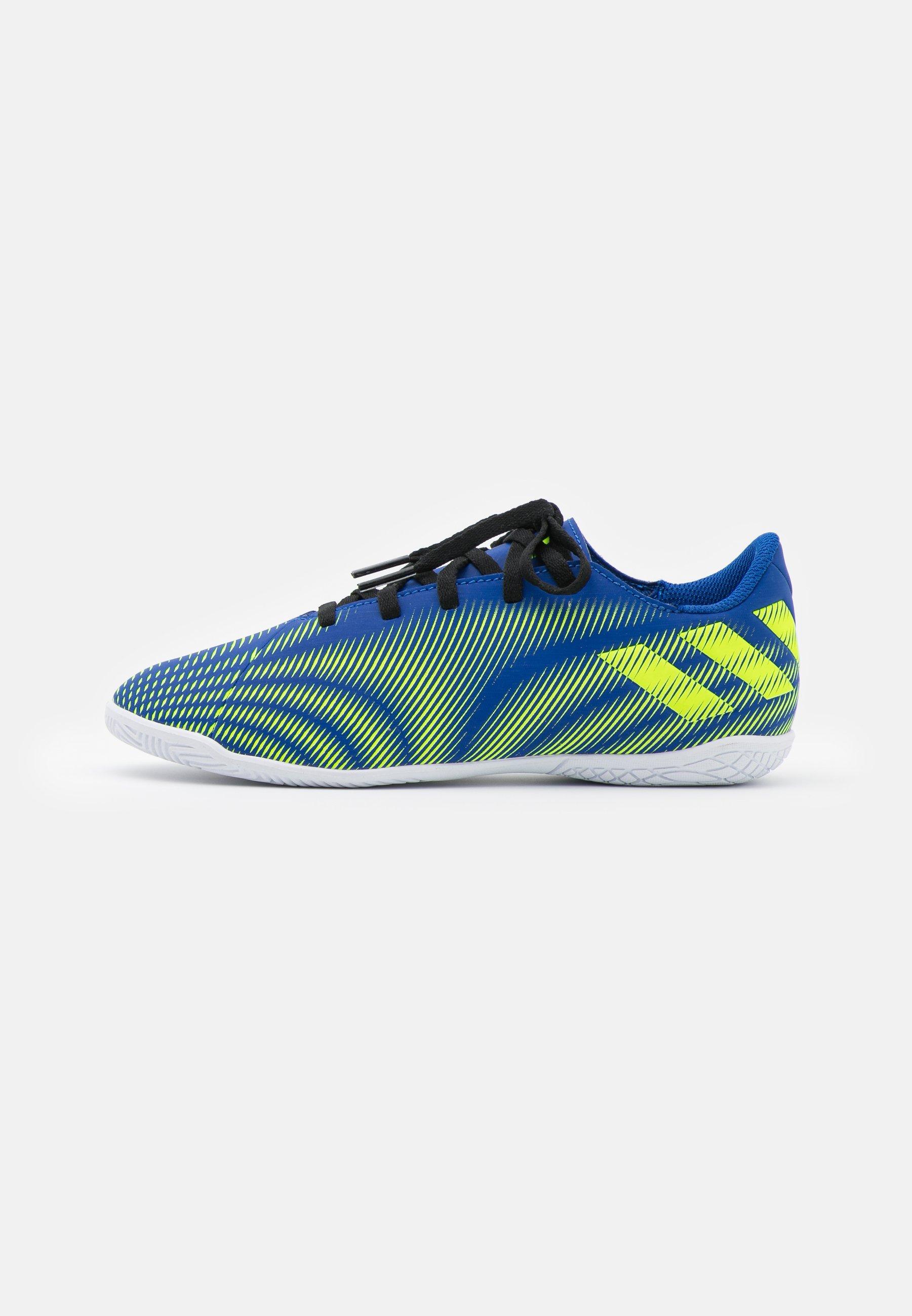 Kids NEMEZIZ .4 IN UNISEX - Indoor football boots - royal blue/solar yellow/footwear white