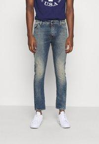 Tigha - BILLY THE KID DESTROYED - Slim fit jeans - vintage mid blue - 0