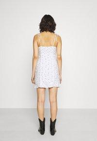 Hollister Co. - BARE RUCHED SHORT DRESS - Kjole - white - 2