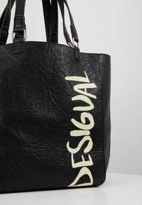 Desigual - BOLS ARTY MESSAGE COLORADO - Velká kabelka - black - 6