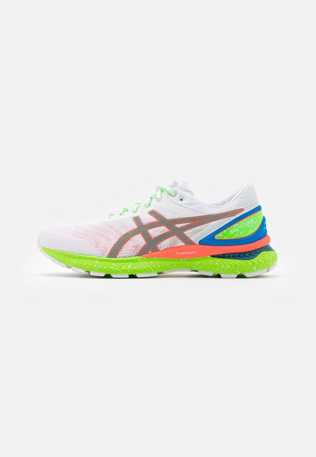 GEL-NIMBUS 22 SUMMER LITE SHOW - Chaussures de running neutres - white/sunrise red