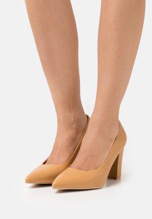 ANAIYA - Classic heels - camel