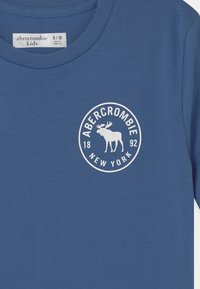 Abercrombie & Fitch - BACKHIT PRINT LOGO - Print T-shirt - blue - 2