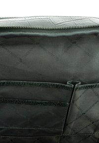 Braun Büffel - MIT KROKO - Rucksack - grey - 3