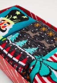 Urban Classics - CHRISTMAS BOW AND NUTCRACKER SOCKS 3 PACK - Socks - multicolor - 2