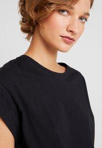 Moss Copenhagen - ALVA TEE - Basic T-shirt - black - 4