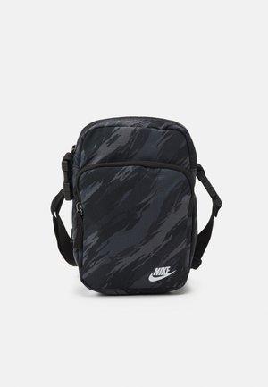 HERITAGE CROSSBDY UNISEX - Across body bag - black/white