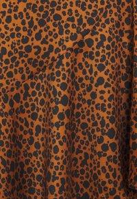 Scotch & Soda - PRINTED WRAP SKIRT - Áčková sukně - brown - 2