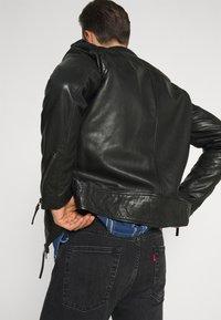 Oakwood - SOLDIER - Leather jacket - black - 5