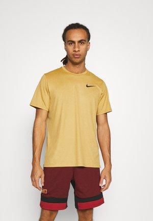 DRY  - Basic T-shirt - wheat/solar flare/black