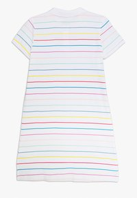 Nike Sportswear - NIKE SPORTSWEAR KLEID FUR KINDER(MADCHEN) - Sukienka sportowa - white/bleached coral/black - 1