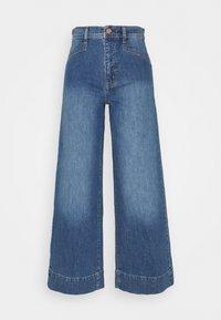 GAP - WIDE LEG VERNON VINTAGE DETAILS - Flared Jeans - medium indigo - 0