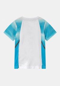 Nike Sportswear - INSTACOOL - Camiseta estampada - laser blue - 1