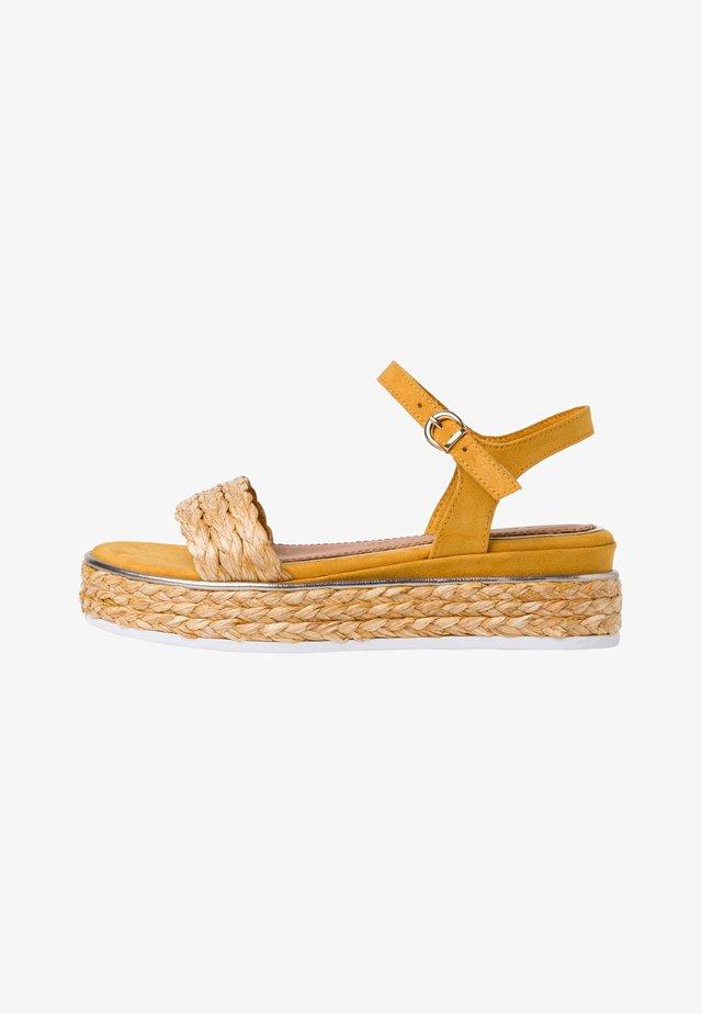 Sandales à plateforme - saffron comb