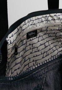 Kipling - ART M - Tote bag - active denim - 4