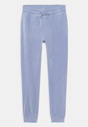 TROUSERS VIVIAN  - Spodnie treningowe - light dusty blue