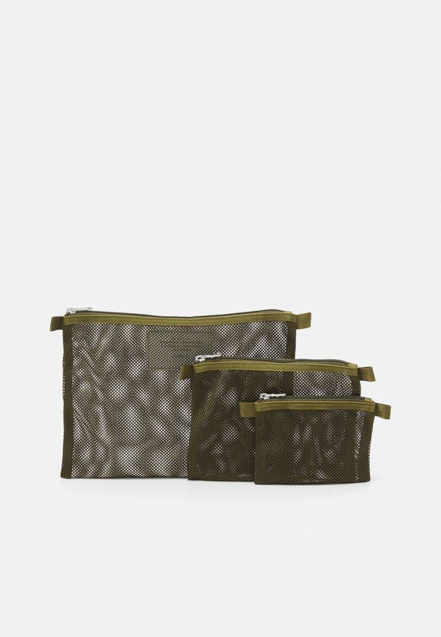 SET UNISEX 3 PACK - Kosmetická taška - green