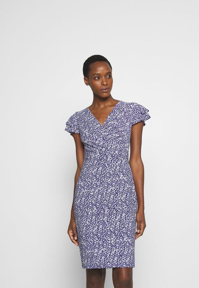 PRINTED MATTE DRESS - Žerzejové šaty - cannes blue