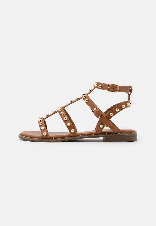 Sandaler - soft marrone