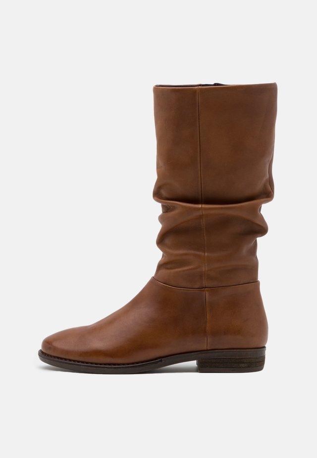 LYANA - Boots - cognac