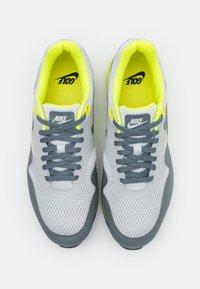 Nike Golf - AIR MAX 1 G - Golfové boty - grey fog/smoke grey/photon dust - 3