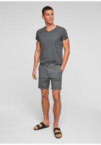 s.Oliver - Shorts - grey - 1