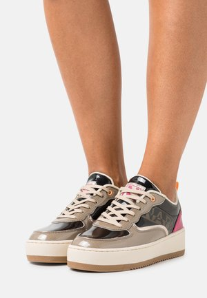 RIVER - Trainers - black/taupe