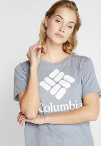 Columbia - PARK™ RELAXED TEE - Print T-shirt - treadwinds grey heather - 4