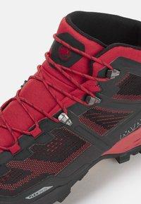 Mammut - DUCAN MID GTX - Hiking shoes - dark spicy-black - 5