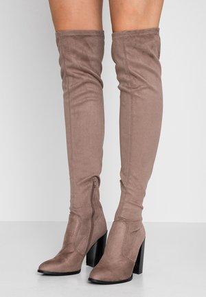 Boots med høye hæler - taupe