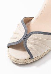 mtng - NEW PALMER - Sandály na vysokém podpatku - natural - 2