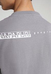Napapijri - BEATNIK - Long sleeved top - grey gull - 4