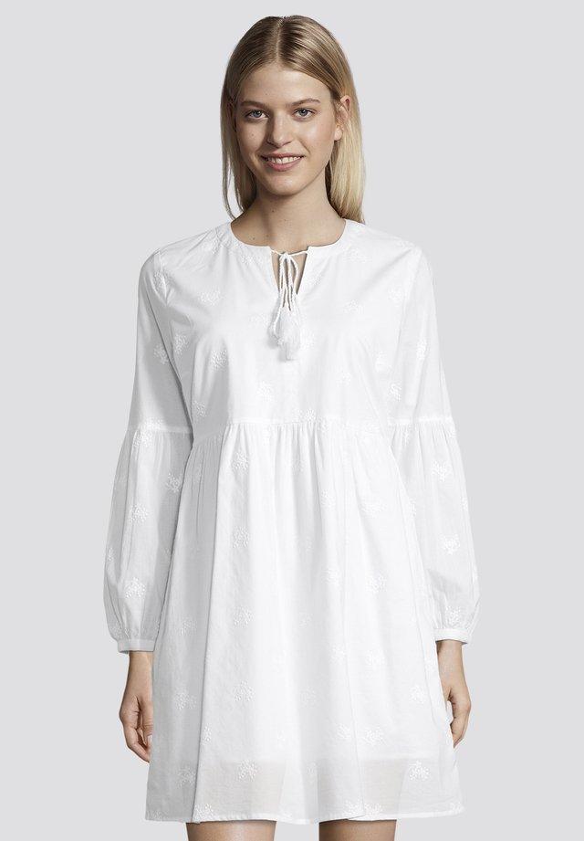 MIT TASSELN - Robe d'été - white