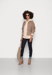 Rich & Royal - ORGANIC FELPA HOODIE - Sweatshirt - beige - 1