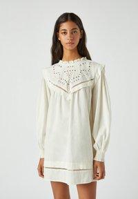 PULL&BEAR - Korte jurk - white - 0