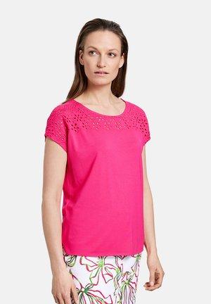 Print T-shirt - azalea