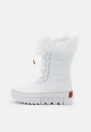 JOAN OF ARCTIC NEXT  - Zimní obuv - white