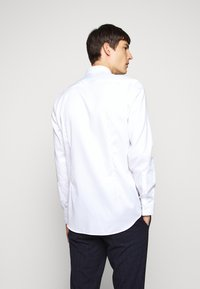 HUGO - KOEY - Zakelijk overhemd - open white - 2