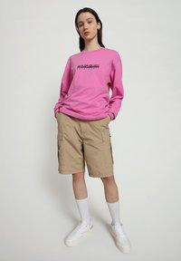 Napapijri - S-BOX LS - Long sleeved top - pink super - 1